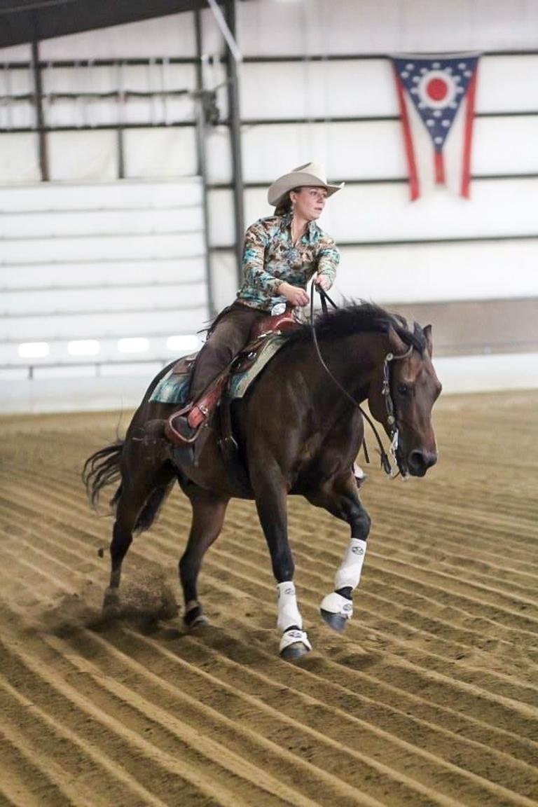 Anna-Munie_Horse-Racer